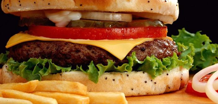 Las-6-claves-del-contenido-en-redes-sociales-vistas-desde-una-hamburguesa