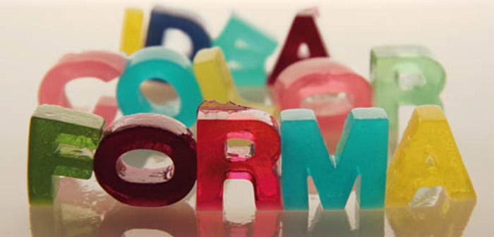 Palabra hecha con comida-gominolas de colores