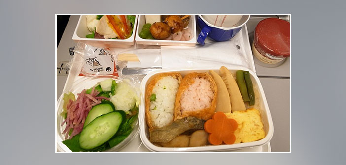 Japan-Airlines---Dinner-in-economy-class