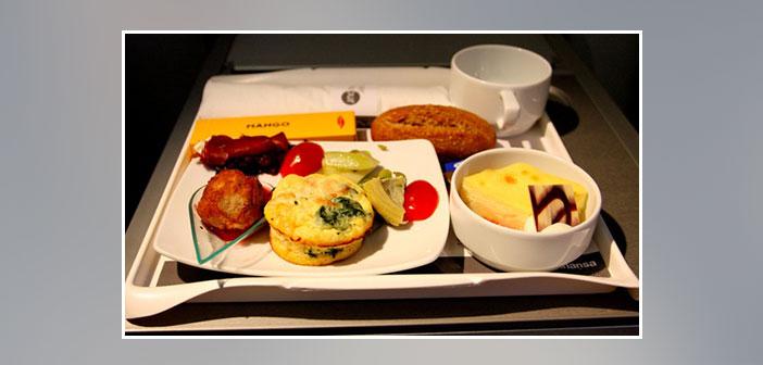 Lufthansa---Dinner-in-business-class
