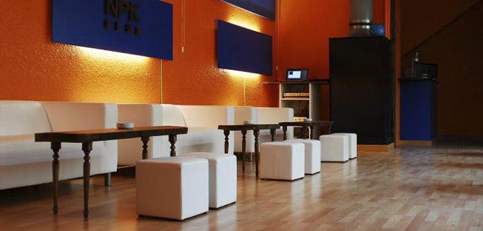 Foto del interior del NPK Club de Barcelona, uno de los clubs cannábicos más importantes de la ciudad
