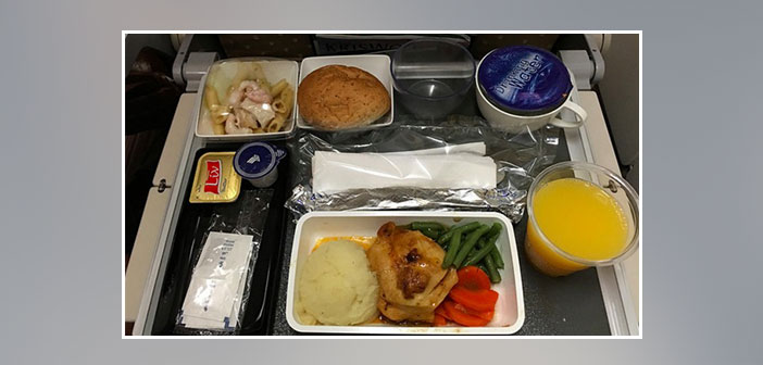 Singapore-Airlines---Dinner-in-economy-class