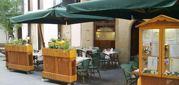 La carta del restaurante nos advierte que se aplicará un suplemento de 5 euros por compartir la comida