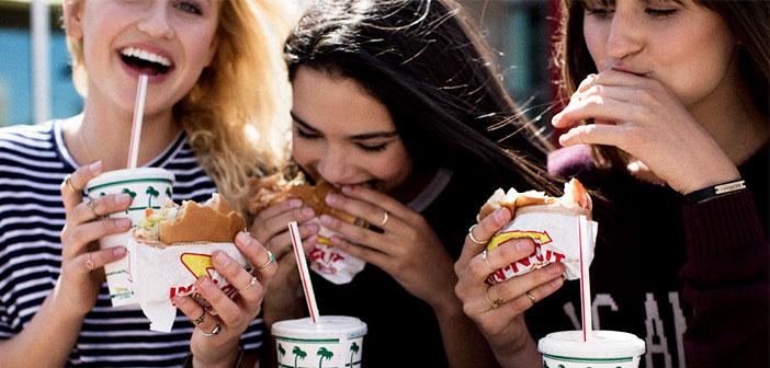 Las franquicias de comida rápida apuestan por un hilo musical potente en el que se erigen como protagonistas el volumen alto y las canciones con más ritmo del panorama actual.