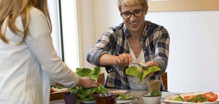 El éxito del negocio llegó con su primer producto: un pastel vegetal en conserva. No solo triunfó entre los vegetarianos, sino que también se convirtió en la opción preferida de aquellos que buscaban algo sano y rápido a la vez.