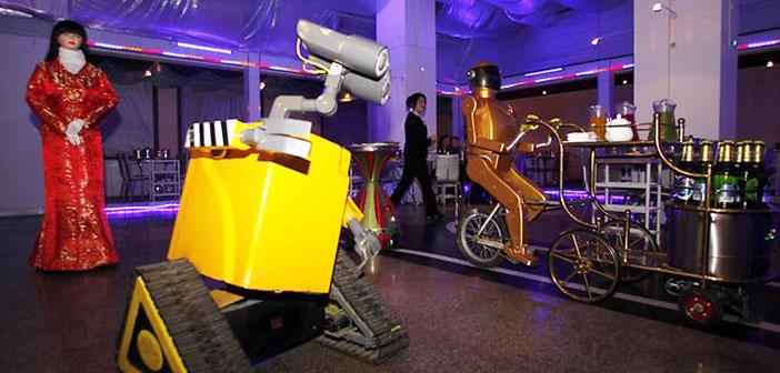 Este restaurante cuenta con un circuito en el que robots montados en bicicletas llevan las bandejas