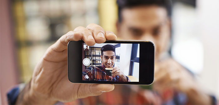 El uso de los smartphones en los restaurantes en los tiempos de espera.
