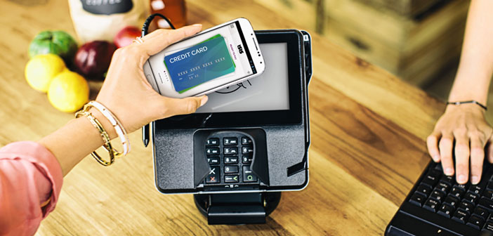 También esta tendencia se ha abierto hueco en los últimos años. Y es que cada vez son más los bares y restaurantes que aceptan el pago con el móvil, el que no sólo agiliza los procesos de cobros, sino que además ofrece grandes ventajas para los establecimientos.