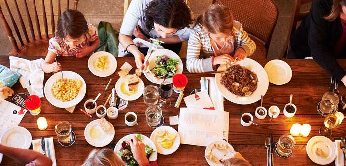 Más salidas familiares. Se vuelve a salir a los restaurantes a disfrutar en familia.