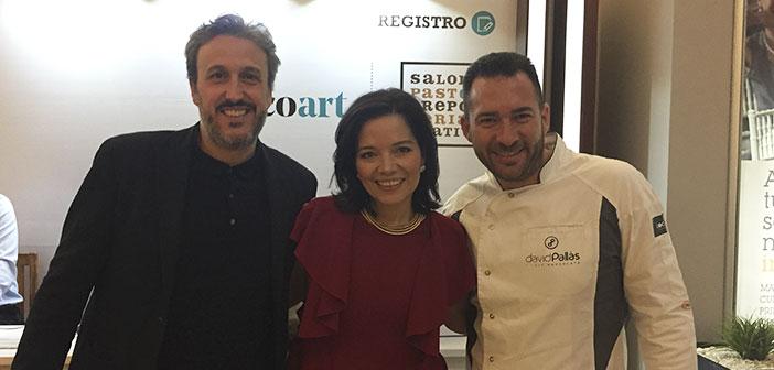 Diego Coquillat con Luisa F. Gallego organizadora del evento y David Pallàs.