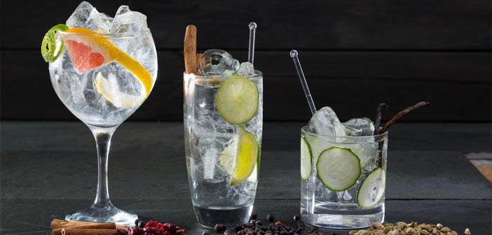 El segundo sábado del mes de junio es el Día Mundial de la Ginebra, una bebida que, con el boom del gin-tonic, volvió a tomar auge desde hace unos años, y se ha consolidado con la presencia en el mercado de un sinfín de estilos de ginebras.