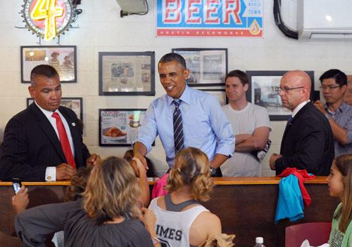 President-Obama at Franklin-Barbecue