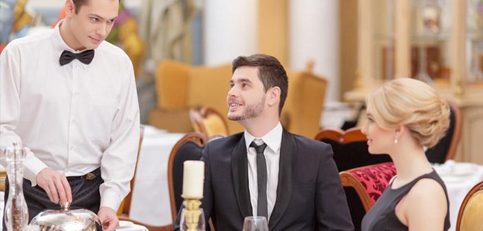 Diners Mystery- Les gens engagés par le restaurant incognito pour surveiller tous les services