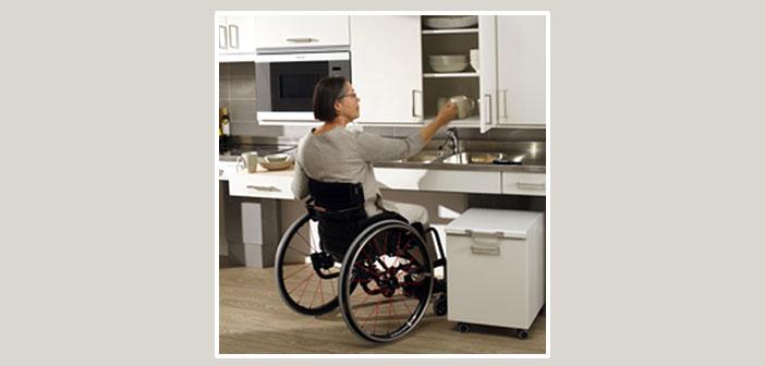 cuisine adaptée à l'usage des personnes en fauteuil roulant