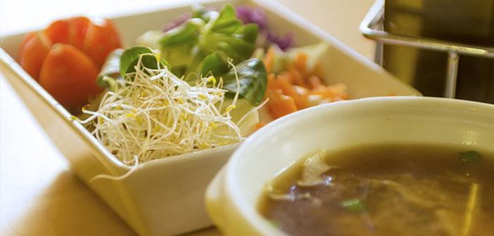 Restaurant durable doit offrir des alternatives végétariennes et doivent être votre temps de création, délicieux et léger