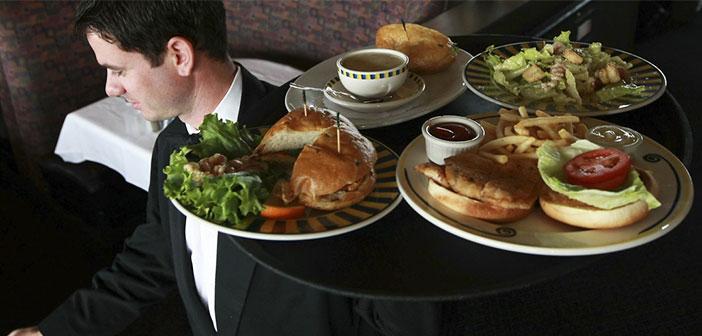 Es una lástima tener camareros que solo se dedican a transportar platos de la cocina a la sala. El personal tiene mucho más potencial ¿no sería mejor que además vendieran?