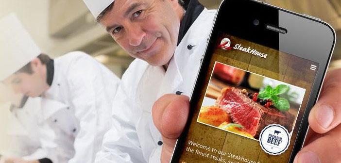 La página web de un restaurante ha de incluir una serie de elementos: dirección, fotos, opiniones, carta con el menú, enlaces a los perfiles sociales, etc.