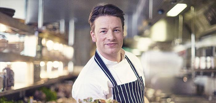 Una fotografía de nuestro chef tampoco sería una mala idea. Sobre todo si tenemos en cuenta que es él y solo él quien va a tratar con esa mercancía.