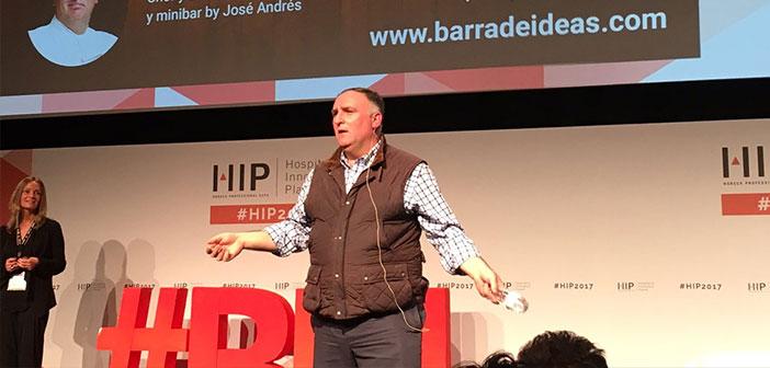 El chef José Andrés durante su multitudinaria ponencia en el congreso HIP.