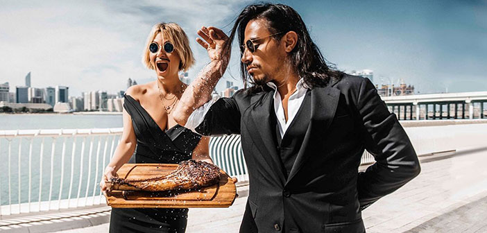 El inglés Nusrat chef Gokce, who has achieved international fame on the Internet thanks to its stylish way to salt the meat, which earned him the nickname & quot; Salt Bae & quot;.
