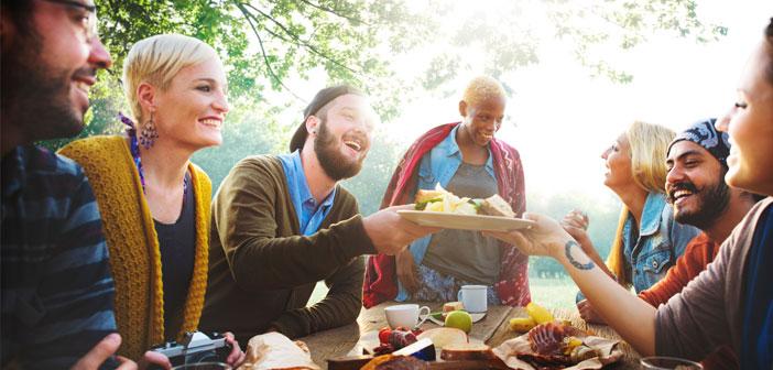 Faisons une immersion d'exercice. Nous plonger dans leur monde, on mélange avec eux et ils, los gastronomes.