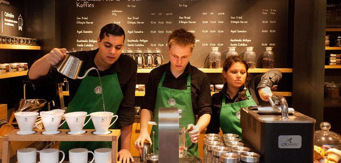 Starbucks a été classé 73e 100 Best Workplaces in 2012 CNN Money que tous les employés à temps partiel reçoivent des prestations de santé complètes.
