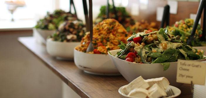 Uno de los mayores reclamos del vegetarianismo es la disposición de una serie de hábitos alimenticios óptimos para el organismo, sin necesidad de recurrir a la carne o el pescado, alimentos grasos que, además, suponen la muerte de otros animales.