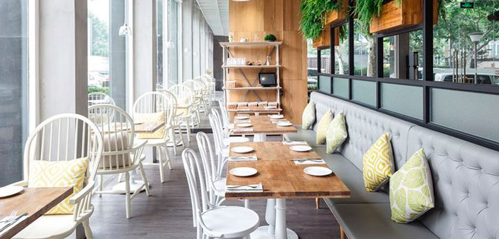 Think of the comfort from the point of view of the entire customer experience and sensory. How would you like it to feel? The design should always provide the answers. But the restaurant has a high probability of success, both answers and questions should be adequate.