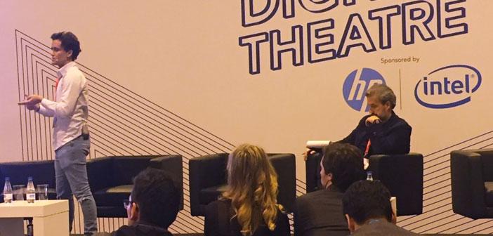 Alberto Bonhomme lors de sa présentation au théâtre numérique ExpoHip 2018