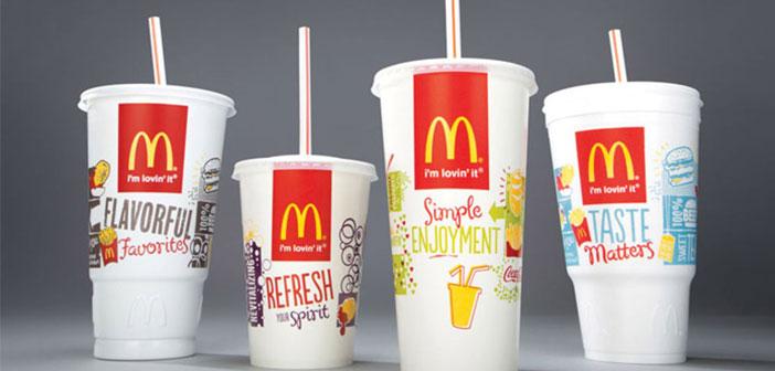 McDonald's recibe un aplauso generalizado a su anuncio en Twitter del uso de pajitas de papel en sus restaurantes
