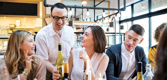 "Many restaurateurs wonder: & Quot; How and what can motivate staff?"". If the waiters are considered part of the team, They will be motivated to serve customers well and ensure their return to the local."