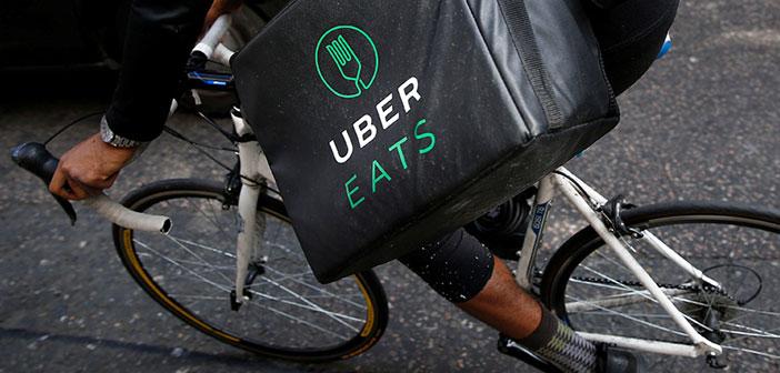 clients aimant de livraison et de restaurants Barcelone sont de la chance. Uber Eats vient de débarquer à Barcelone avec un large éventail d'établissements. avec Madrid, sont les deux seuls points de la géographie espagnole où elle opère la livraison d'applications livraison de nourriture Uber.