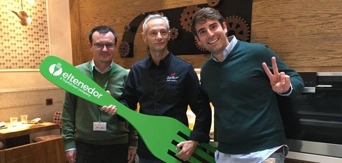 Alberto Casado, Directeur des communications et des campagnes d'ActionAid, Jesús Almagro, Canseco Bar et le chef Marcos Alves, PDG et fondateur de ElTenedor.