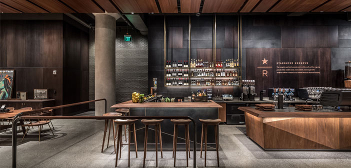 Starbucks ha decidido abrir 1.000 nuevos establecimientos sospechosamente reminiscentes a los locales de Eataly; puntos de encuentro  gastronómicos diáfanos y de corte italiano en los que se cocina en vivo, se ofrece un amplio abanico de productos de la bota europea, y en los que la gente puede socializar y disfrutar la experiencia además de hacer sus compras.