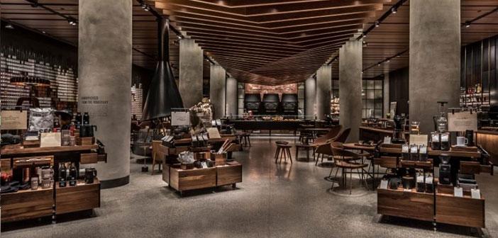 Los Starbucks Reserve se unen así al ya amplio espectro de modalidades de tienda que presenta la ubicua cafetería: las Reserve Roasteries, los bares Reserve, el establecimiento exprés de Wall Street y las recién adquiridas panaderías Princi Bakery.