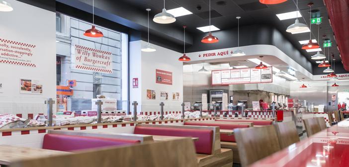 ¿Quieres conocer la tres claves del éxito de Five Guys?En el Reino Unido es la marca de casual dining que más rápidamente crece y se expande. Sus ventas aumentaron 129,29% en los últimos tres años, colocándose en el primer lugar del ranking de alimentos y bebidas en ese país.