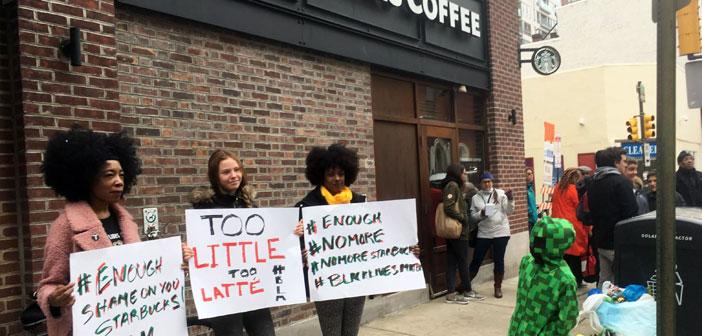 Tras el asesinato de Trevor Martin en 2012 y el de Eric Garner un par de años más tarde, Starbucks ofrecía vasos con el lema 'Race Together' que incitaban a los consumidores a entablar discusiones sobre razas y racismo. No duraron un asalto porque las redes sociales vieron estas iniciativas como un intento de capitalizar sobre la tragedia de los hombres negros.