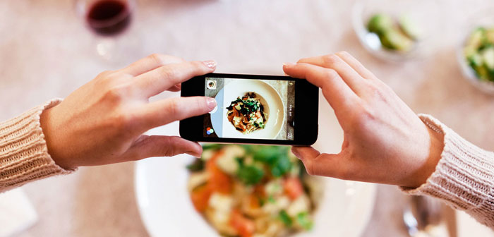 Now, Instagram not only attract the attention of netizens with its magnificent snapshots of food, the postureo, social media marketing and online bookings come together on this platform thanks to a partnership between the media giant and the company Reserve, specializes in online booking services.