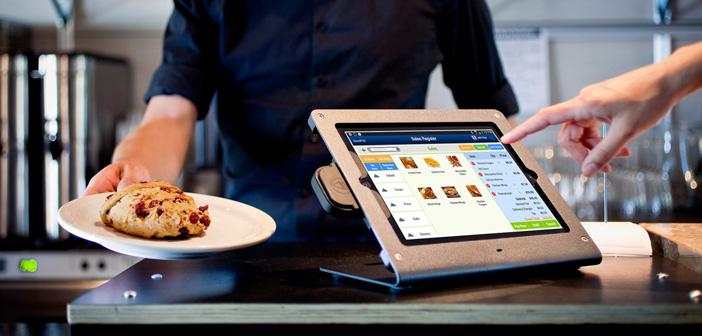 Los TPV táctiles son uno de los buques insignia de la transformación digital de los restaurantes. A menudo ubicuos en los establecimientos de las mayores franquicias de comida rápida, estos aparatos se extienden ahora a otros restaurantes en forma de tabletas o kioscos. Pero hay algo que todos estos formatos tienen en común, toda una marabunta de comensales acaban tocando las pantallas al cabo del día.