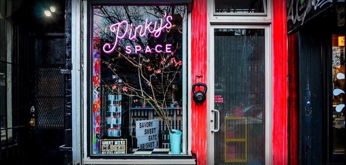 Pinky's Space, un restaurante que fusiona la comida sureña estadounidense con la gastronomía francesa de alto standing, ven como los ingresos percibidos por las reservas destinadas a reparto domicilio suponen ya un 75% del total.