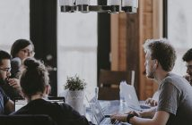 La Gold Card de Amex se alía con los millennials para que pagar con tarjeta en los restaurantes tenga recompensa