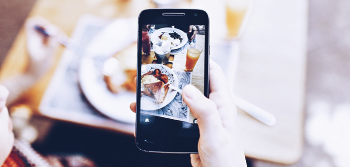 Good management of social networks can help you gain notoriety, generate commitment and even get new diners offline and online. Think about it: If you upload a delicious picture of one of your dishes, the possibility of asking at home immediately becomes even more irresistible.